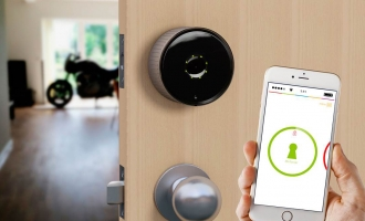 3 Ways in Which Smart Door Locks Improve Home Security